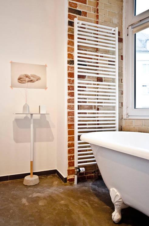 Baños de estilo  por Studio DLF