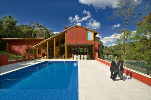 Casa da Mata:   por David Guerra Arquitetura e Interiores