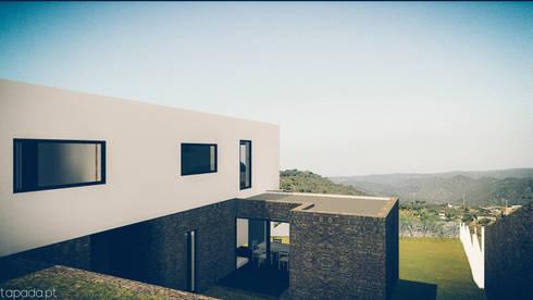 Casa em Barrancos: Casas modernas por Tapada arquitectos