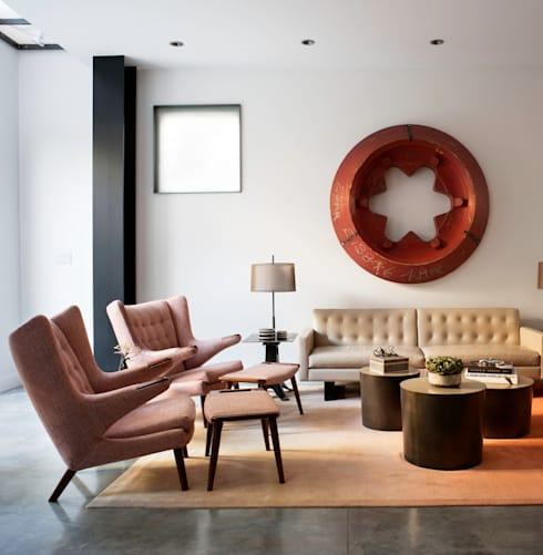 Casa em Sao Francisco: Salas de estar ecléticas por Antonio Martins Interior Design Inc