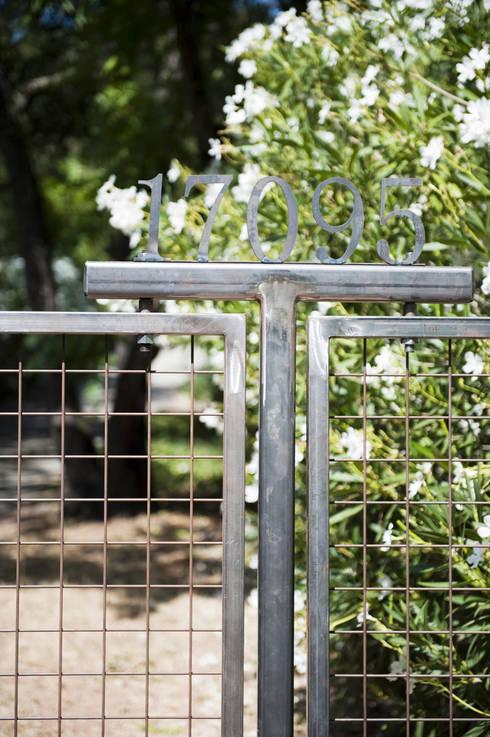 Casa em Sonoma, California: Jardins ecléticos por Antonio Martins Interior Design Inc