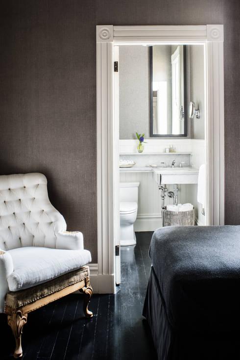 Casa em Sao Francisco - Potrero Hill: Casas de banho ecléticas por Antonio Martins Interior Design Inc