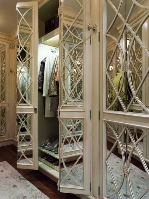 Casa em Nob Hill, Sao Francisco: Closets clássicos por Antonio Martins Interior Design Inc