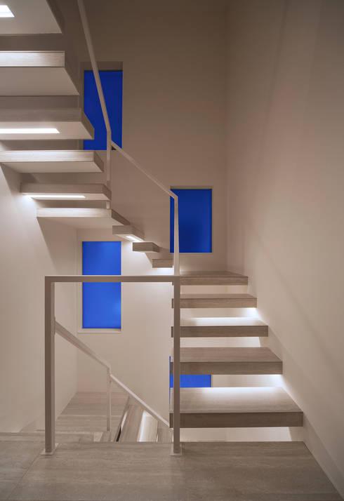modern Corridor, hallway & stairs by Architect Show co.,Ltd