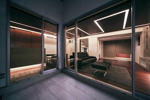 Terrace by Architect Show co.,Ltd