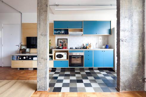 Cozinha: Cozinhas industriais por INÁ Arquitetura