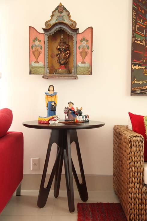Fabiana Rosello Arquitetura e Interiores: rustik tarz tarz Oturma Odası