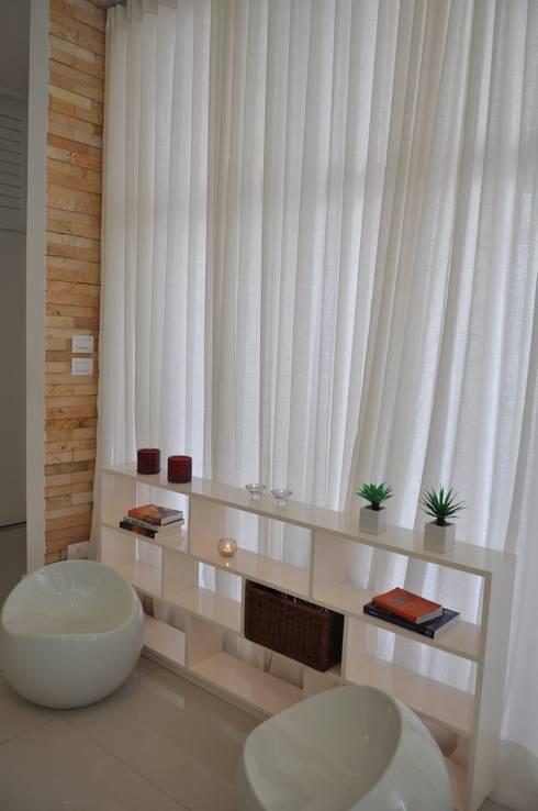 Arquiteura e design: Salas de estar modernas por Libório Gândara Ateliê de Arquitetura