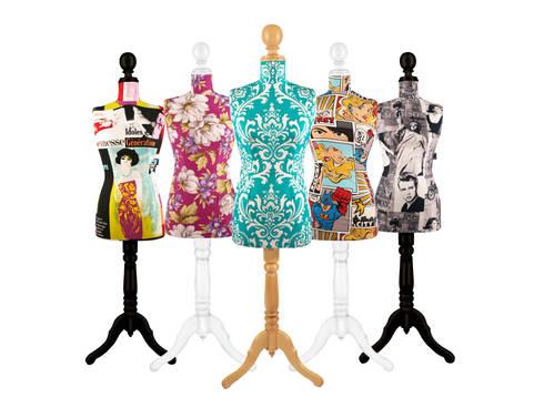 Maniquies decorativos: Hogar de estilo  por Franko & Co.