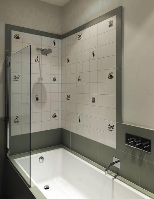 modern Bathroom by Inglis Badrashi Loddo