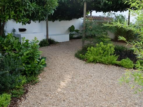 Vista geral: Jardins ecléticos por Atelier Jardins do Sul