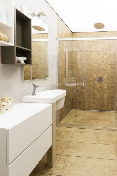 HOUSE G&S: Bagno in stile in stile Moderno di GINO SPERA ARCHITETTO