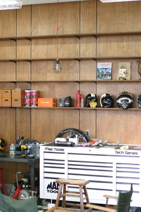 eclectische Garage/schuur door HOUSETRAD CO.,LTD