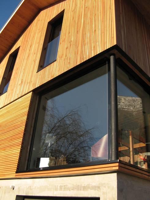 Maison AD: Maisons de style  par FAVRE LIBES Architectes