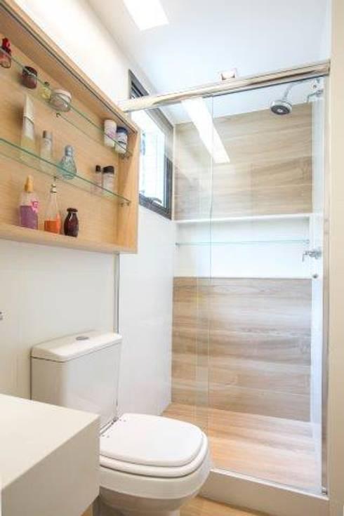 Salle de bain de style  par Sara Santos Arquitecta