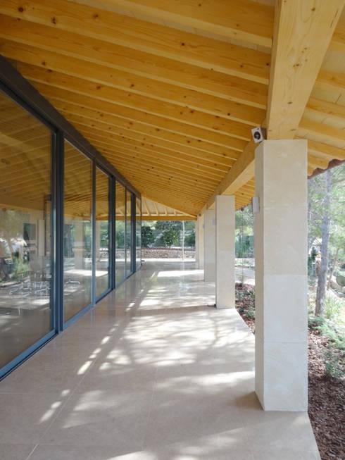Casa Paddenberg: Casas de estilo moderno de miguelfloritarquitectura sl