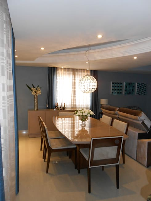 sala de jantar- bege, cinza, azul e marrom: modern Dining room by Mariana Von Kruger Emme Interiores