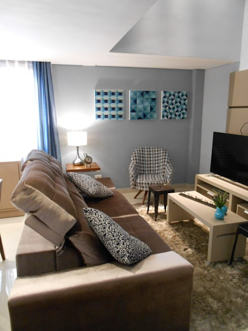 sala de estar - bege, cinza, azul e marrom: modern Living room by Mariana Von Kruger Emme Interiores