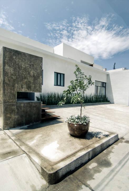 SERES CENTRO HOLÍSTICO: Comedores de estilo minimalista por TAQ arquitectura