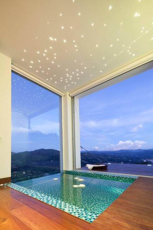 Baños de estilo  por LIGHTEN