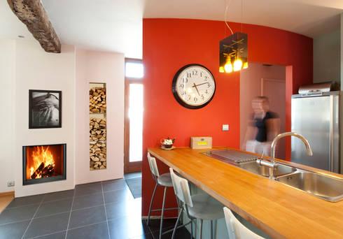 Phenix 75Green - Bodart&Gonay: Cozinhas modernas por Biojaq - Comércio e Distribuição de Recuperadores de Calor Lda