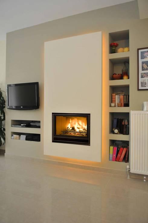 In Fire 800 Green Screen: Salas de estar modernas por Biojaq - Comércio e Distribuição de Recuperadores de Calor Lda