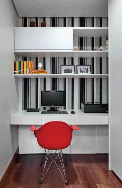 Apartamento .CB: Escritórios  por Amis Arquitetura & Design