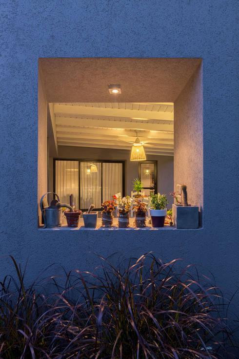 Casa El Paso I: Casas de estilo moderno por ARRILLAGA&PAROLA