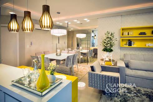 Apartamento Decorado – Itapema/SC: Salas de jantar modernas por Landeira & Goes Arquitetura