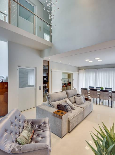 Salas de estilo  por Angelica Pecego Arquitetura
