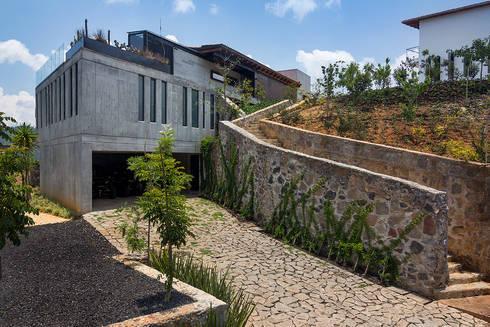CASA RR: Casas de estilo rural por BURO ARQUITECTURA