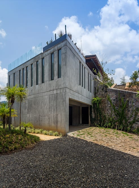 CASA RR: Casas de estilo  por BURO ARQUITECTURA