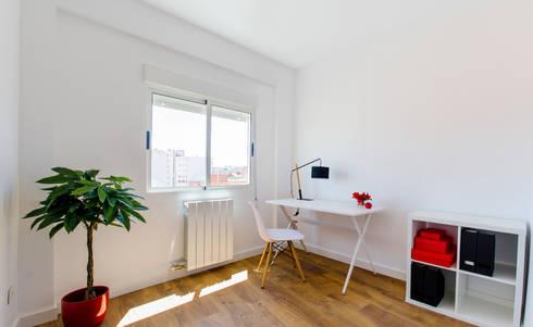 Estudios y oficinas de estilo escandinavo por Noelia Villalba