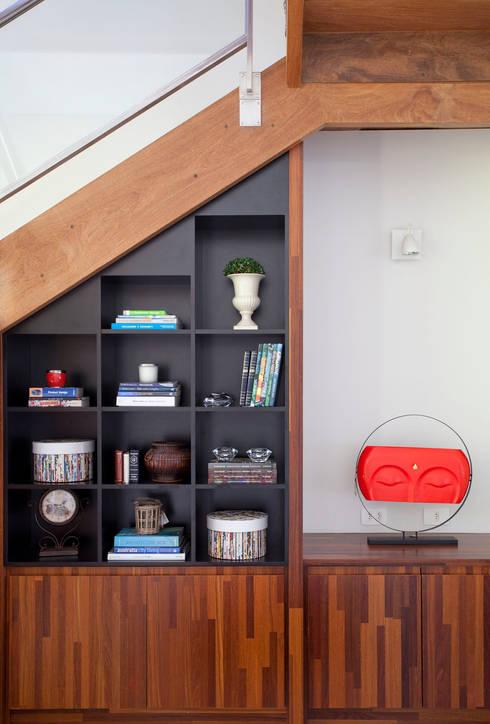Living room by Samy & Ricky Arquitetura