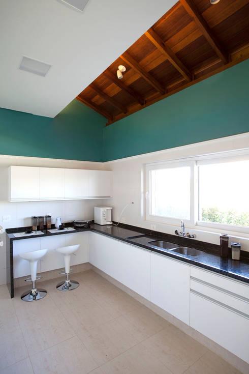 Projekty,  Kuchnia zaprojektowane przez Samy & Ricky Arquitetura