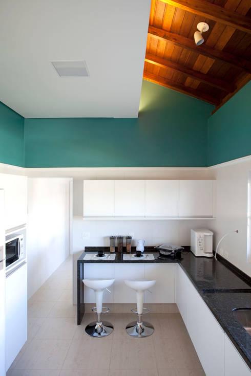 Cocinas de estilo  por Samy & Ricky Arquitetura