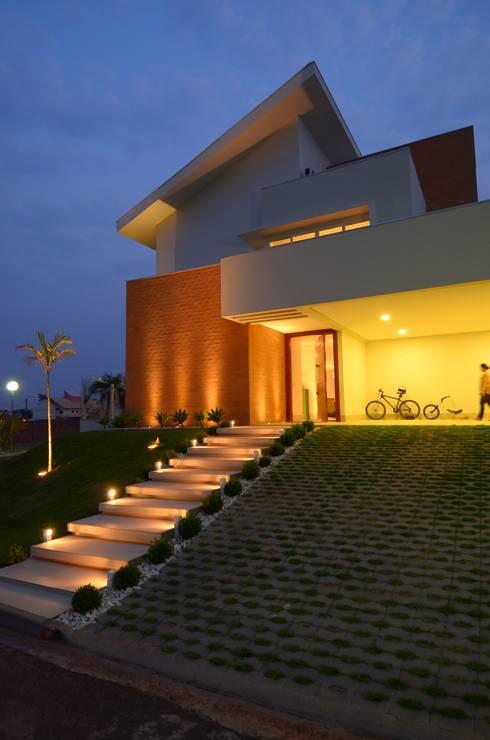 Casas de estilo  de Cabral Arquitetura Ltda.