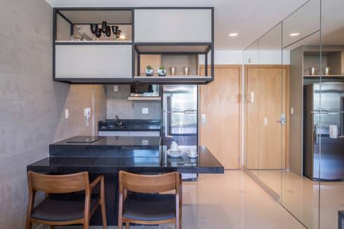 Apartamento HM: Cozinhas modernas por Carpaneda & Nasr