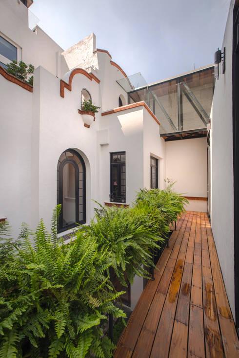 Terrazas de estilo  de TW/A Architectural Group