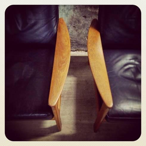 Pair of Easy Chairs by Illum Wikkelsø | Komfort: Casa  por Retro Wood