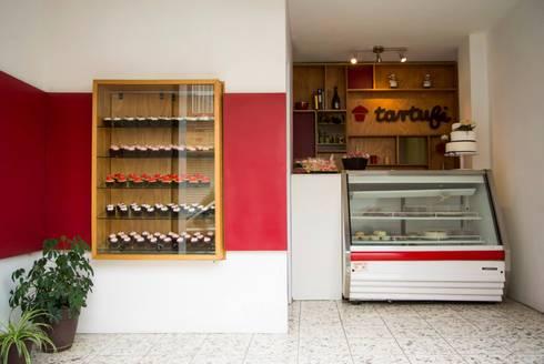 [ Tartufi ]: Restaurantes de estilo  por Corchete Experiencias