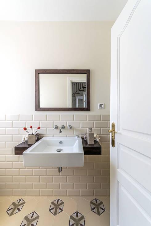 08023 Architectsが手掛けた浴室
