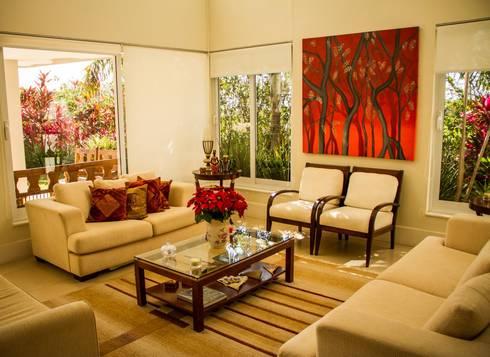 Residência Alphaville Campinas: Salas de estar clássicas por RC ARQUITETURA