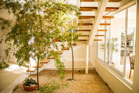 Residência Alphaville Campinas: Jardins de inverno clássicos por RC ARQUITETURA