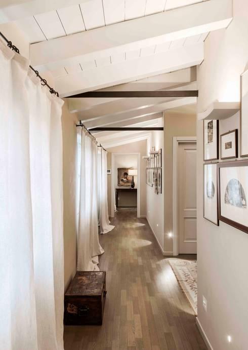 Quartos clássicos por Studio Maggiore Architettura