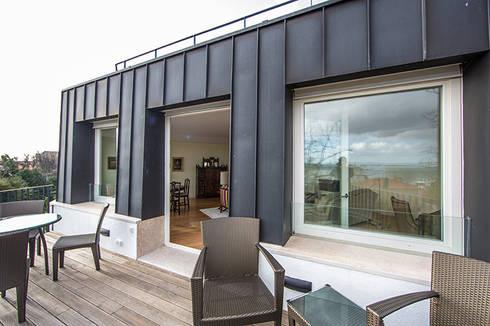 Uma casa com vista: Casas modernas por Architect Your Home