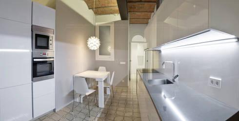Restauración de elementos arquitectónicos: Cocinas de estilo minimalista de Torres Estudio Arquitectura Interior