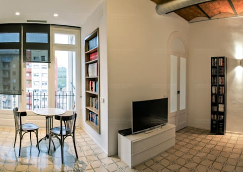 Restauración de carpinteria de madera: Salones de estilo minimalista de Torres Estudio Arquitectura Interior
