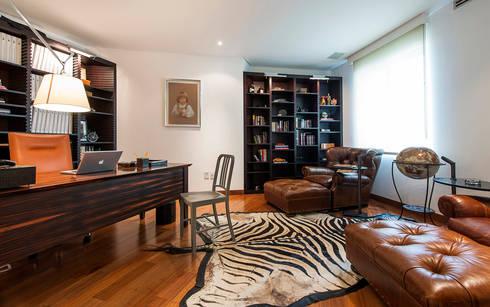 Departamento Tabachines : Estudios y oficinas de estilo moderno por Hansi Arquitectura