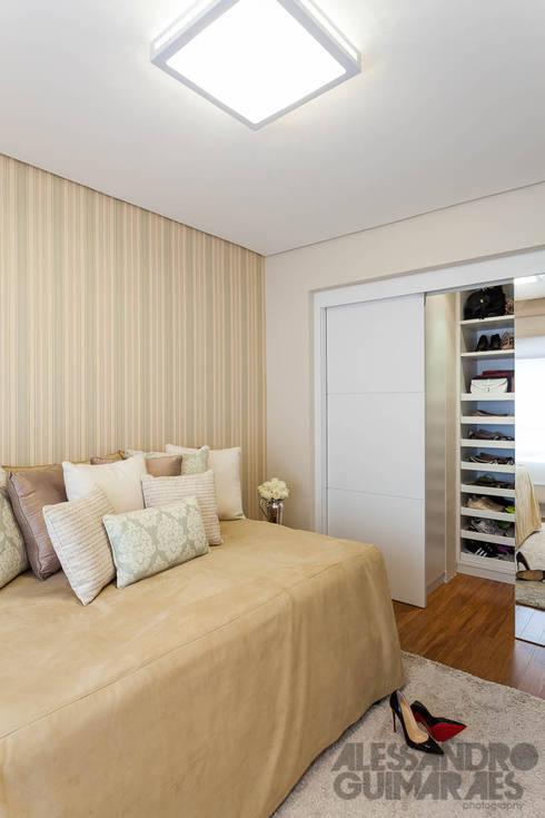 غرفة نوم تنفيذ Martins Valente Arquitetura e Interiores